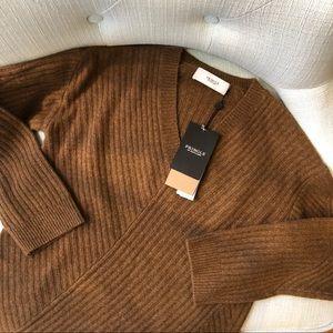 Pringle of Scotland Cashmere V-Neck Sweater | NWT